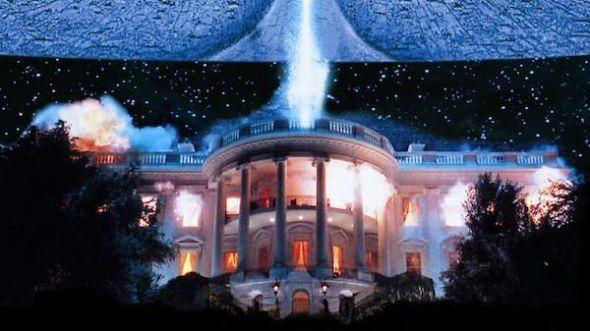 La manía que le tienen algunos extraterrestres a la Casa Blanca en 'Independence Day'