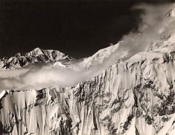 Maravillosa fotografía de Alaska tomada en 1935 por Bradford Washburn.