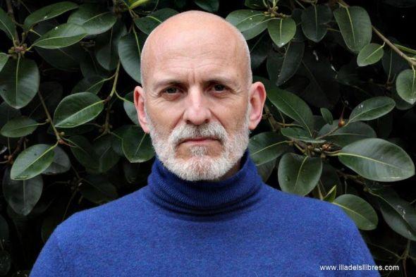 El escritor Alejandro Palomas. Foto: Jordi Millán.