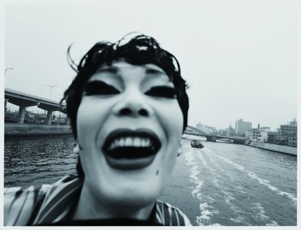 Another Language, Eikoh Hosoe, Simmon : paysage intérieur, 1971. Avec l'aimable autorisation de l'artiste, Jean-Kenta Gauthier, Paris, et Akio Nagasawa Gallery, Tokyo.