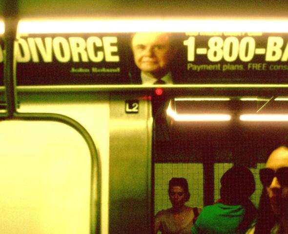 Anuncios en el metro de Nueva York. Fotografía: Steven Siegel.