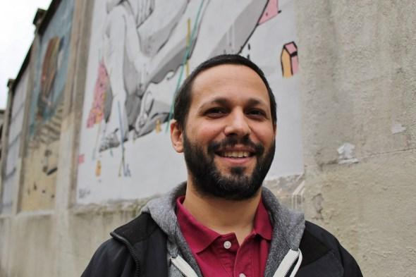 El escritor Lawrence Schimel.