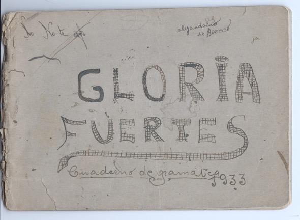 El cuaderno de gramática de Gloria Fuertes en 1933.