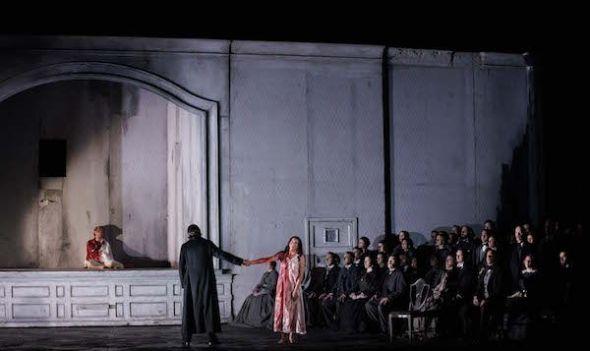 La escena de la locura de Lucia di Lammermoor en el Teatro Real. Foto: Javier del Real.