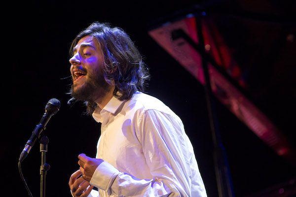 El músico Salvador Sobral. Foto: Daniel Pérez / Teatro Cervantes.
