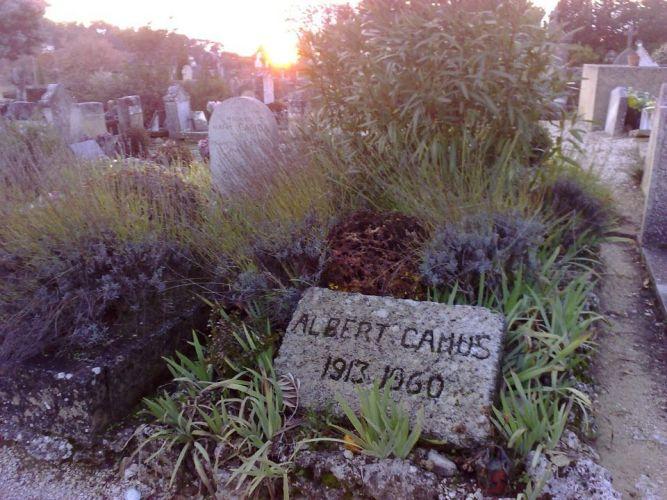 Tumba de Albert Camús. Fotografía de A. García Maldonado.