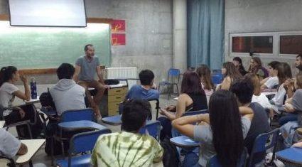 Inicia el taller de coro en la Facultad de Ciencias de la Comunicación