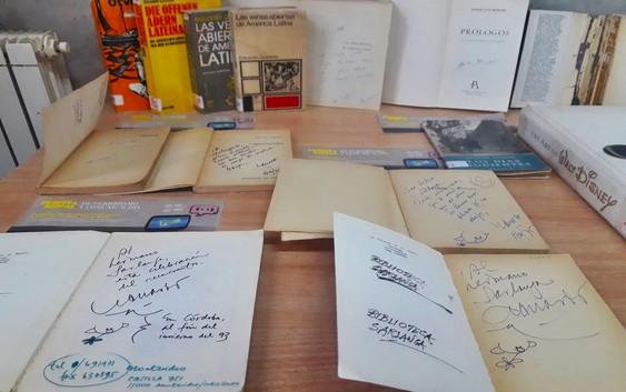 """La """"Biblioteca de Sarlanga"""" se expone en la Facultad de Ciencias de la Comunicación"""