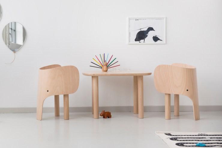 Set de sillas y mesa infantil con forma de elefante