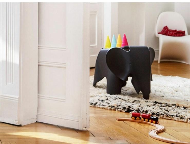 Eames Elephant en color negro. Vitra