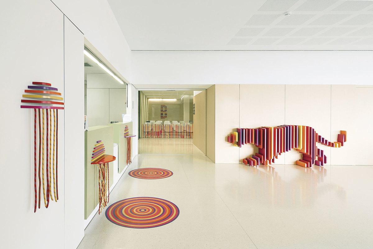 Ambientación Hospital Sant Joan de Déu. El escondite de los animales