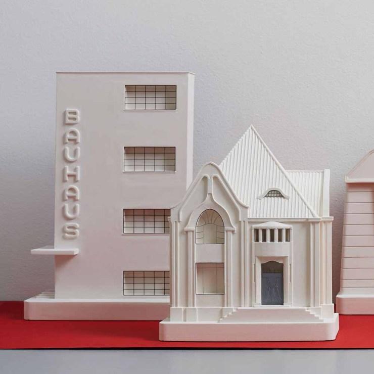 Edificio Bauhaus por Chisel & Mouse