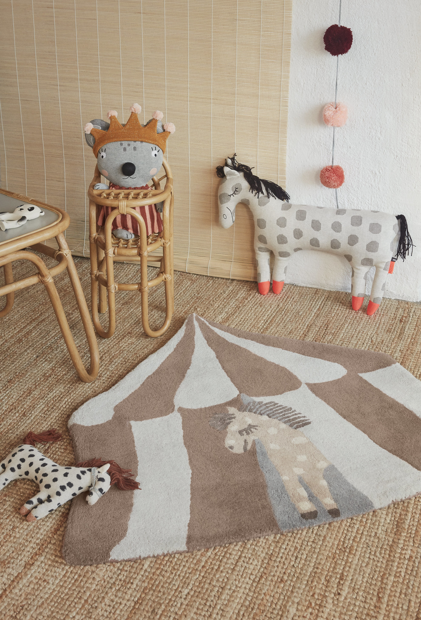 OYOY Living Design. Muebles de bambú