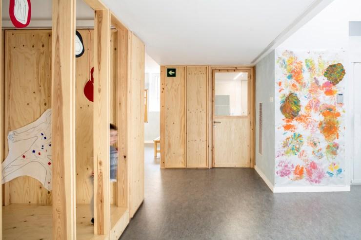 Escuela temporal Can Rosés. Les Corts. Barcelona. Vora arquitectura