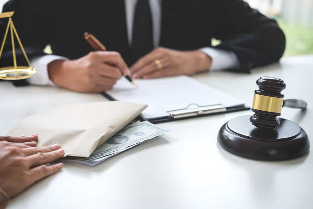 Why Do Lawyers Charge So Much Money 9 Reasons