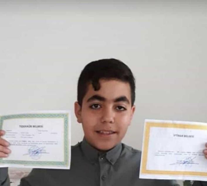 15 yaşındaki ikizleri korona virüs ayırdı