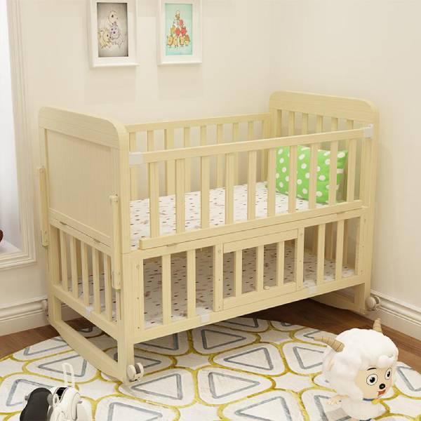 صور سرير اطفال حديثي الولادة خشب بنوته كافيه