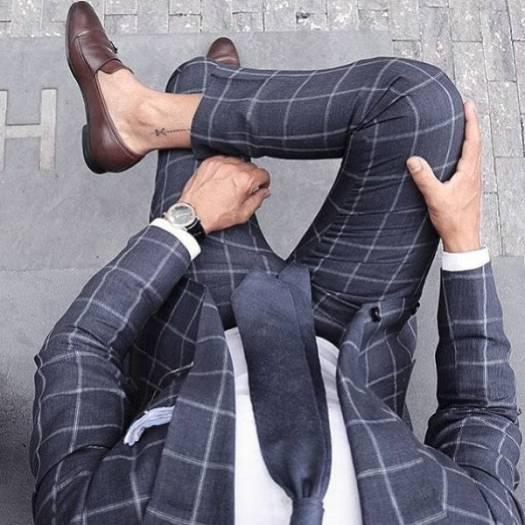 أشيك 10 بدل رجالي كحلي مع الأحذية البني - أفكار أزياء للرجال