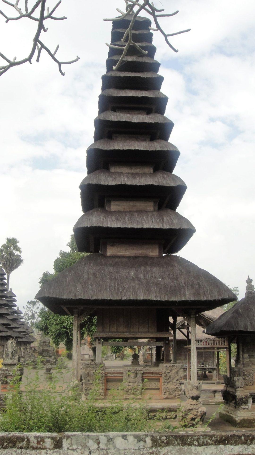 Por el Templo Desha Mengwi - Bali