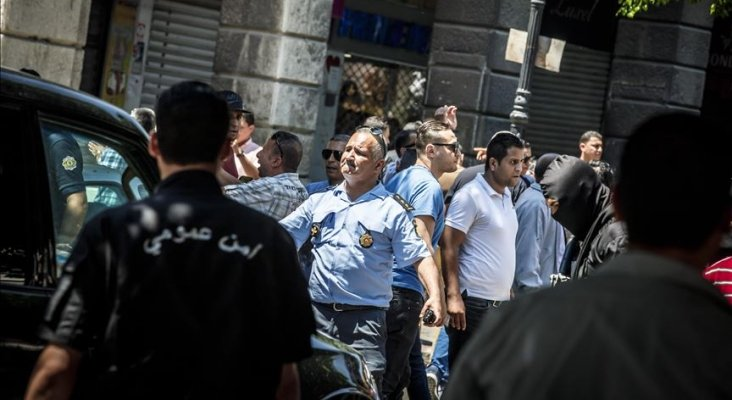 atentados-suicidas-golpean-el-centro-de-tunez_4_732x400.jpeg
