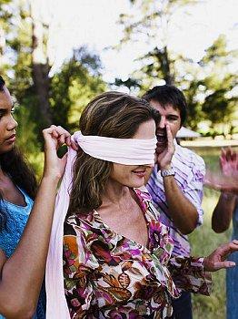 Juego del ciego en escucha efectiva
