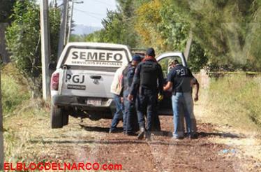 En Michoacán, hallan dentro de un vehículo los cuerpos baleados de un hombre y una mujer