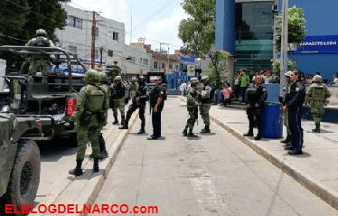 Soldados y policías resguardan hospital general de León que atiende a heridos en tiroteo en límites de Jalisco y Gto.