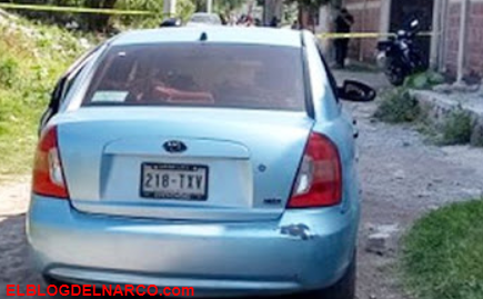 Sicarios ejecutan con el tiro de gracia a 3 personas dentro de un auto en el Estado de México (FOTOS)