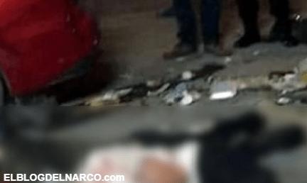 En Monterrey 30 vecinos sometieron y golpearon a 4 ladrones que asaltaban una tienda del barrio...