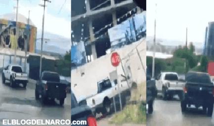 A plena luz así viaja El Comando de la Muerte de El Mayo circulando en convoy de trocas (VÍDEO)