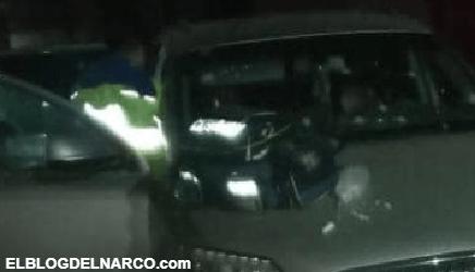 Tras persecución entre grupos rivales acribillan y ejecutan a 4 tripulantes de una camioneta audi...