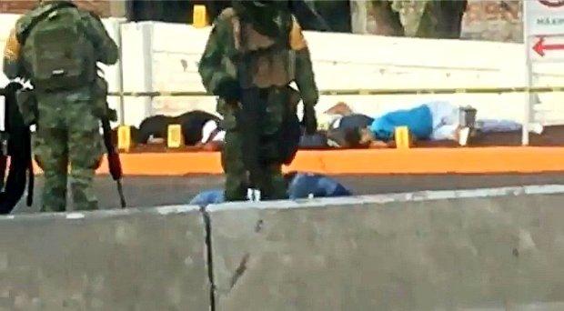 Fotos de la Masacre en Guanajuato, sicarios ejecutan a seis hombres y 2 mujeres en Gasolinera (3)