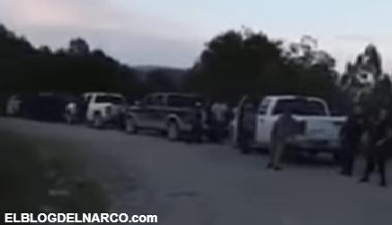 VIDEO Convoy de más de 15 trocas repletas de Sicarios es captado en Chihuahua en narco retén.