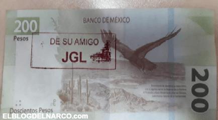 """El Chapo regalo billetes de 200 pesos en Culiacán; Sinaloa """"DE SU AMIGO JGL"""""""