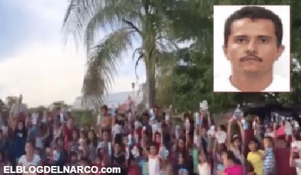 """""""Gracias señor Mencho"""", decenas de niños muestran los juguetes que el líder del CJNG les dio"""