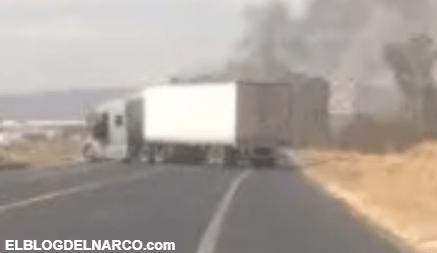Enfrentamiento entre Sicarios y Policías y quema de vehículos en la carretera Celaya-Juventino Rosas