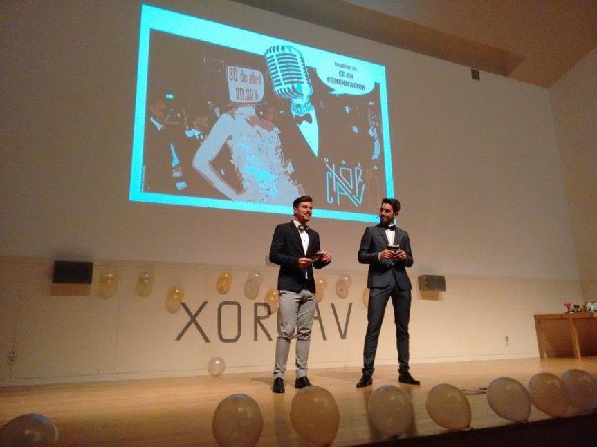 Adrián Fernández Ferro y Alex García Chouciño presentaron la gala organizada por los estudiantes de la Facultad de Comunicación de la USC el pasado 30 de abril. Alex es además el responsable de los consejos que figuran en la infografía.