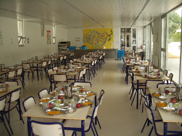 Comedores escolares con el IVA al 21 a pesar del criterio