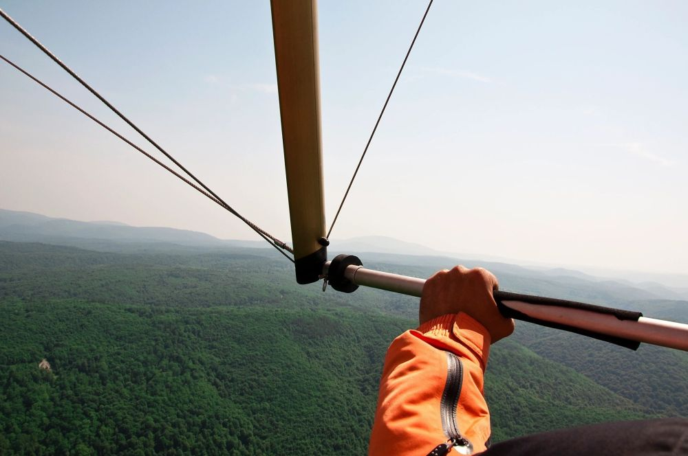 freedom hang gliding