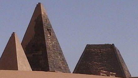 Metrología histórica / Pirámides de Nubia