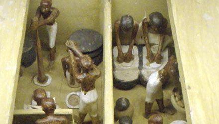 La Cerveza en el Antiguo Egipto/ El sarcófago de Astorga y el cristianismo