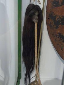 Una de las cabezas reducidas del Museo Nacional de Antropología. Puede verse en su exposición permanente.
