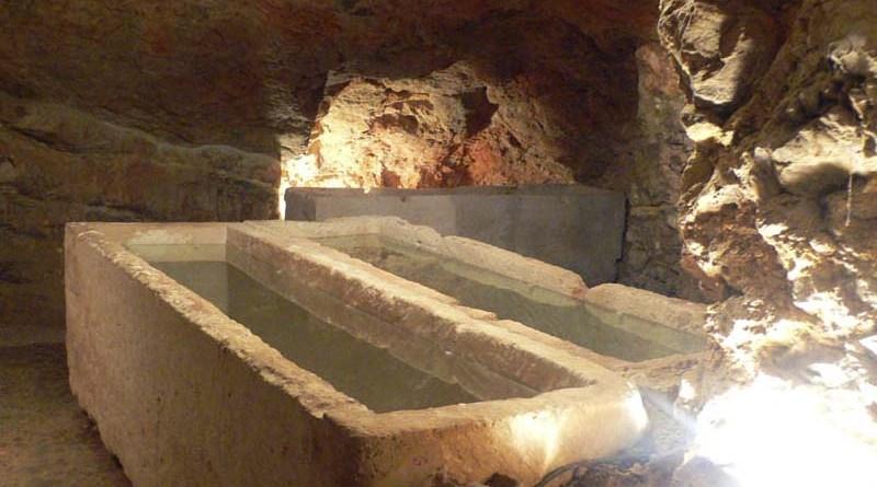 Hipogeo de Puig des Molins. Parte de la Historia de Ibiza