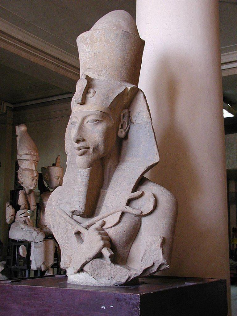 Akenatón fue el faraón que realizó la revolución de Amarna