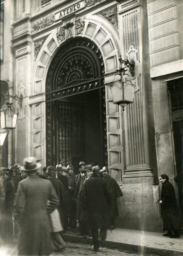 Puerta del Ateneo