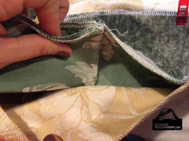 SAL bolsa tipo capazo con tela de colchón en verde y dorado