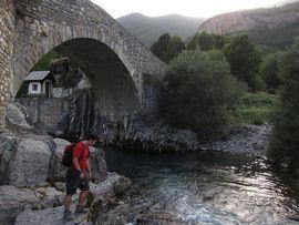 Río Ara, junto al camping
