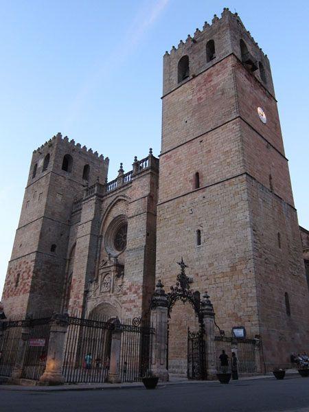 Fachada de la Catedral de Sigüenza