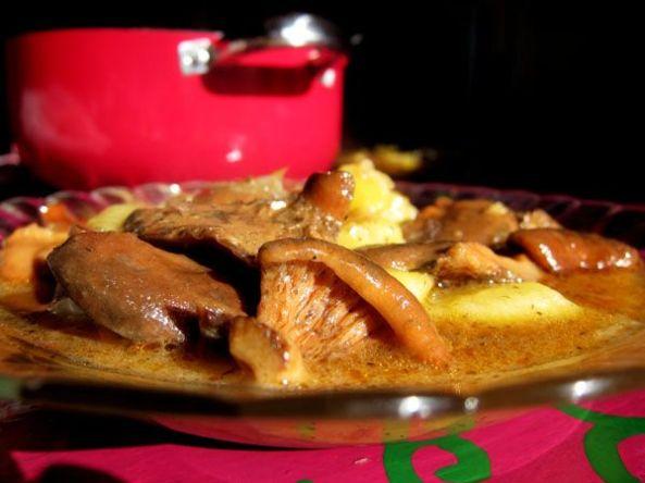 Níscalos con patatas a la cazuela.