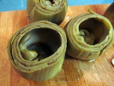 Alcachofas rellenas de ricotta y gambas